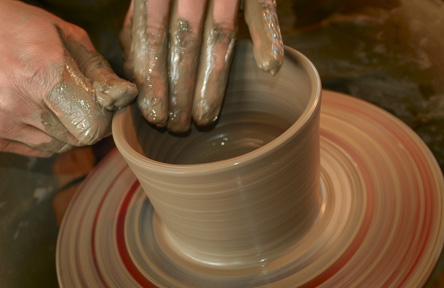 experience gifts from cloud 9 living - pottery classes