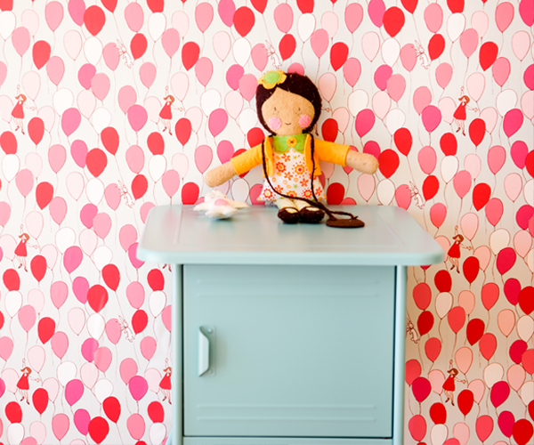 Pop and Lolli Balloon wallpaper for kids rooms by Sarah Jane