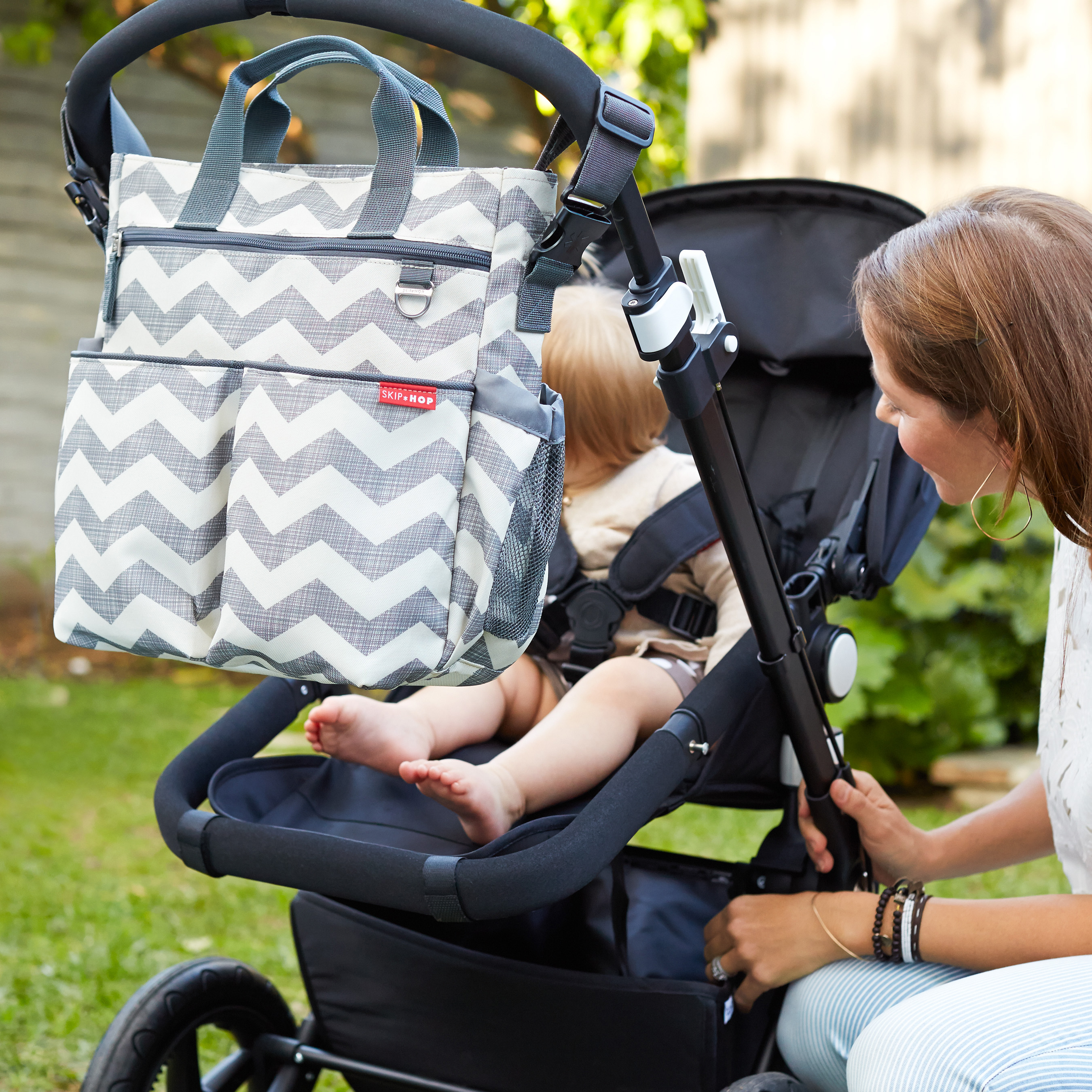 The Skip Hop Duo Signature Diaper Bag is back, redesigned, and better than ever. Can we talk pockets?