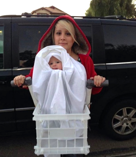 Creative Halloween costumes for baby: ET & Eliot via Wrap Your Baby