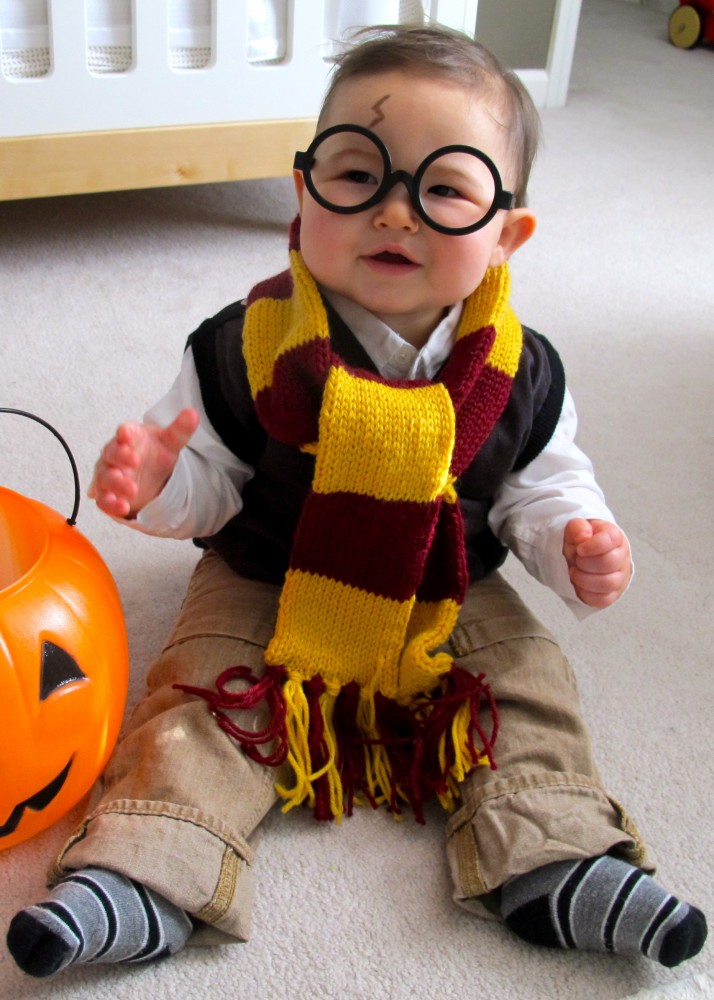 Creative Halloween costume for baby: Harry Potter costume via Love and Lion