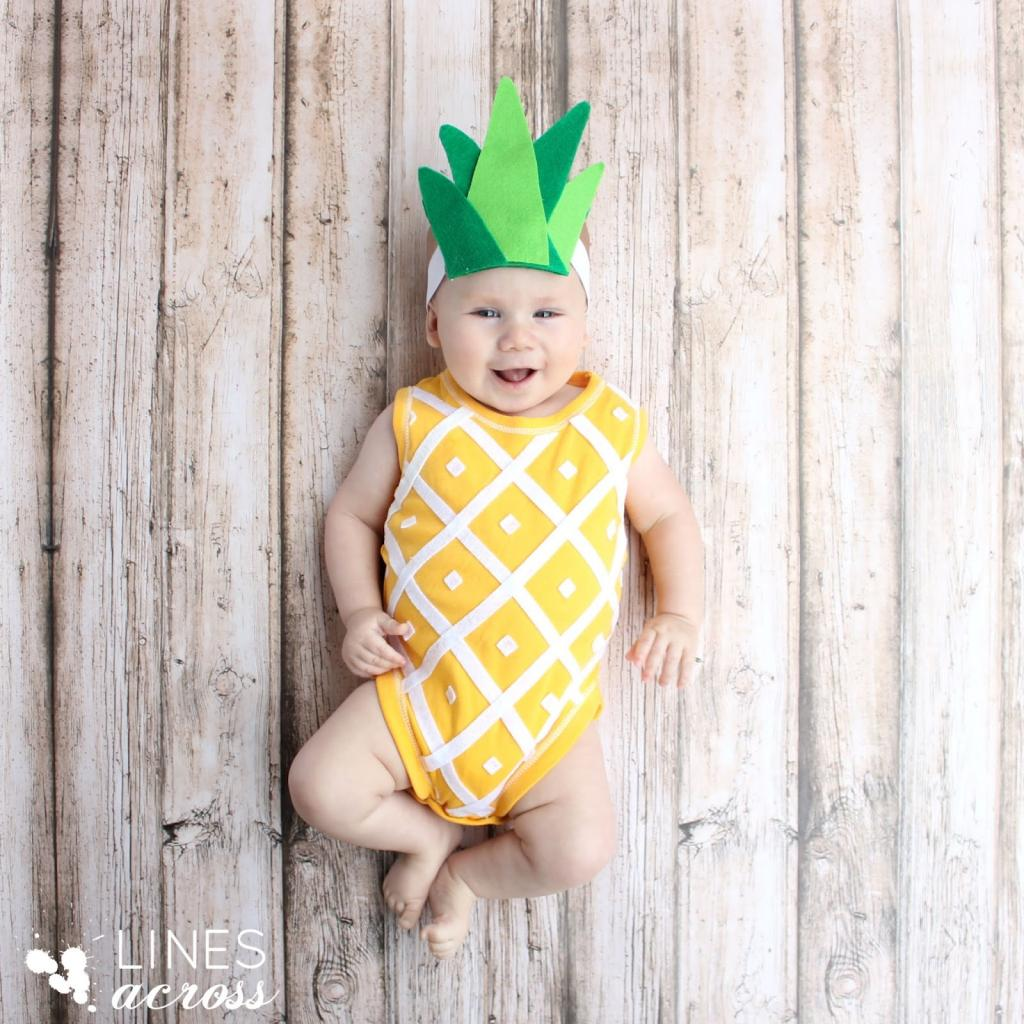 Creative Halloween costumes for baby: Pineapple at Lines Across