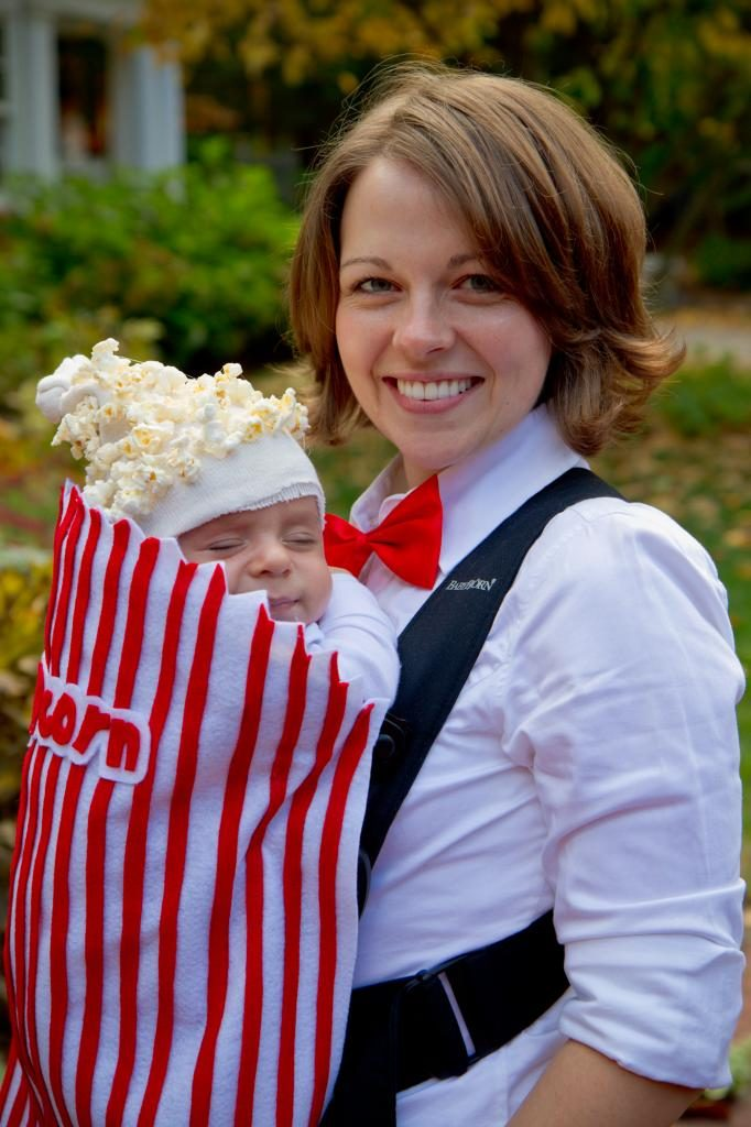 Halloween costumes for baby: DIY popcorn box by This Place is Now Home