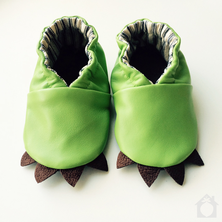 The hottest shoes for babies this spring? Lizard, dahling.