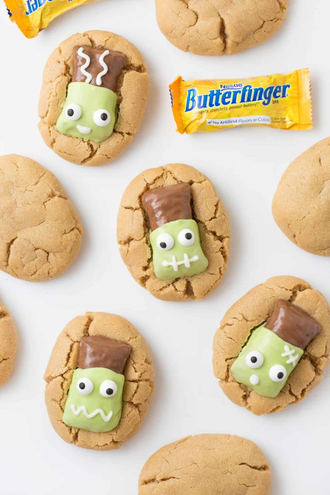 How to use leftover Halloween candy: Frankenstein cookies at Design Eat Repeat