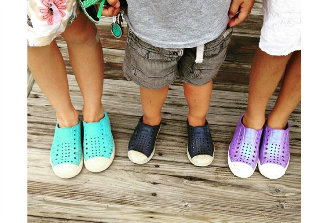 6 of the snappiest water shoes for kids that like to splash all day