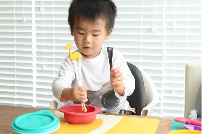 The world's cutest tableware for kids: We have a contender!