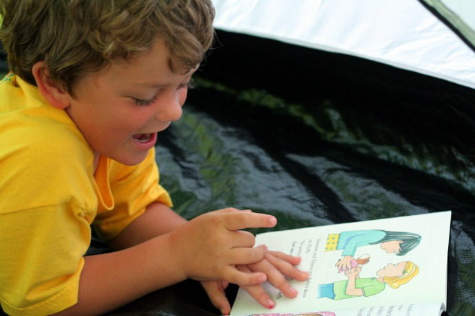 5 free summer reading challenges for kids. Prizes included!