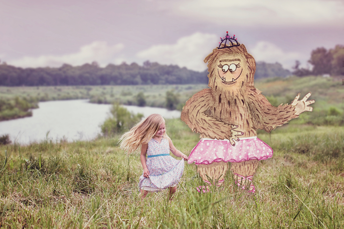 Custom portraits of your kid with their imaginary friend. How cool is that?