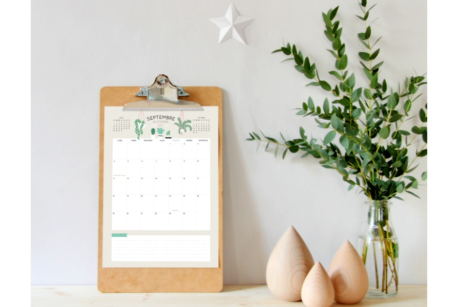 18 pretty, printable 2017 calendars, lots free! Because free is a good way to start a new year.