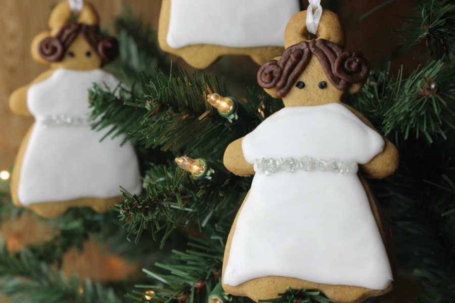 Web Coolness: Princess Leia gingerbread, the Hamilton Rudolph mashup, gift ideas for the hardest people on your list and more