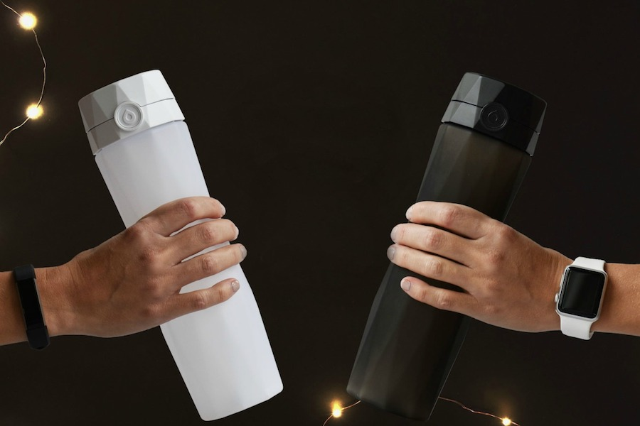 How much water should you be drinking? This smart bottle can help.