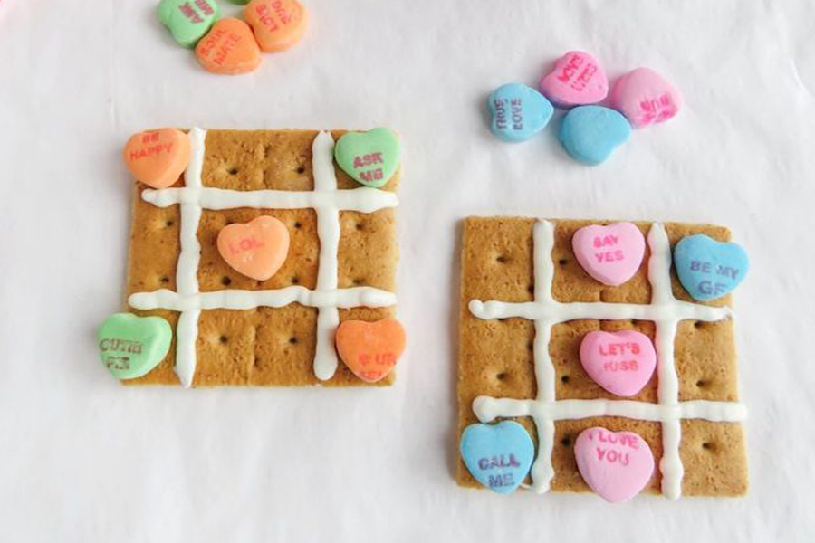 Yummy and totally easy Valentine's Day treats for the classroom that there's still time to make. Because procrastinators give love too!