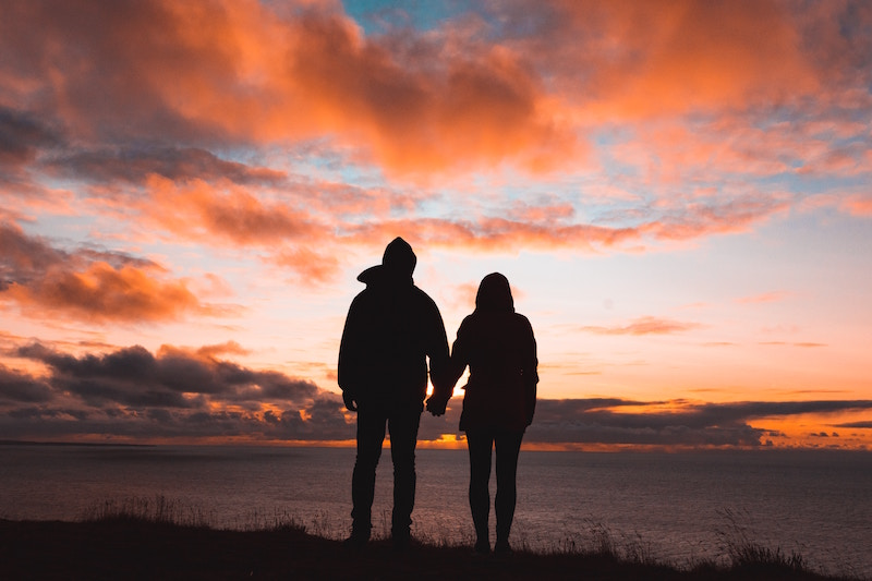 Last-minute Valentine's Day gifts: Experience Gifts for Couples, photos by Alex Iby via Unsplash