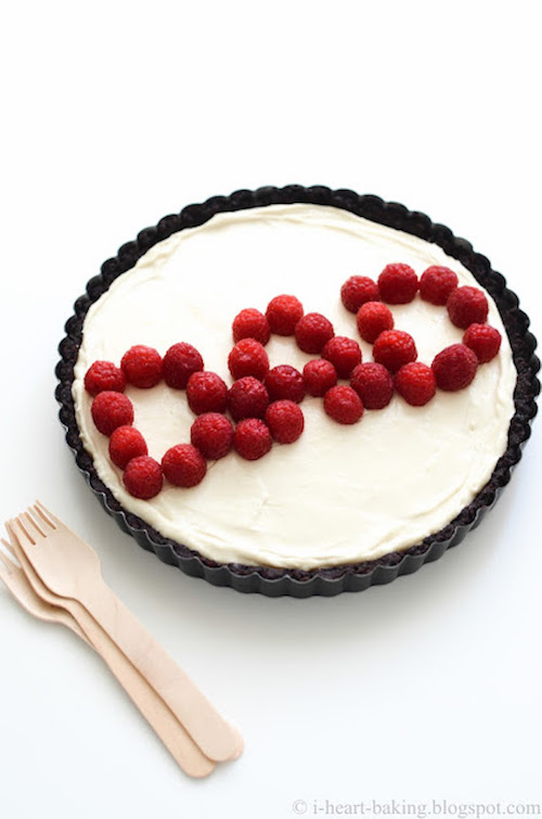 Last-minute Father's Day gift ideas: Berry-Topped Oreo Tart by I Heart Baking