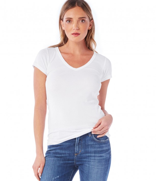 The best white t shirts for women from a t shirt junkie for Best white t shirt women s v neck