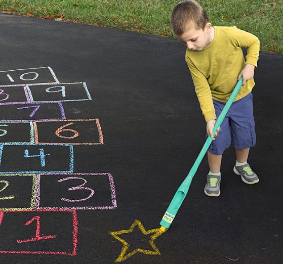 Birthday gift ideas for preschoolers under $15: Walkie Chalk