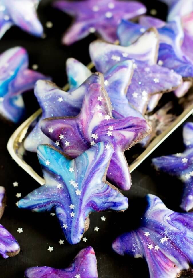 Easy eclipse party ideas: Galaxy Cookies at Sugar Spun Run