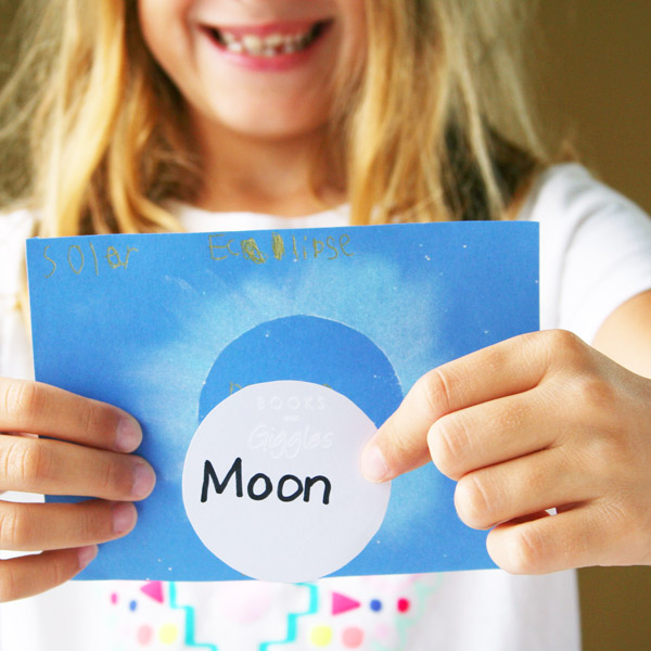 Easy eclipse party ideas: A simple eclipse craft from Books and Giggles