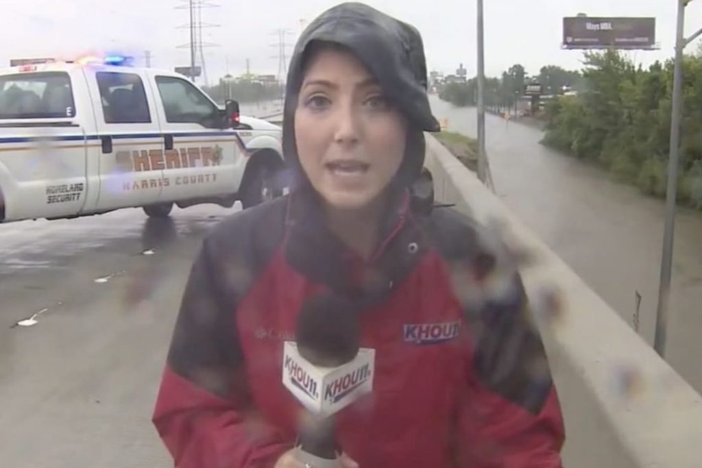 Houston TV crew saves Driver | heroic acts of journalists during Hurricane Harvey