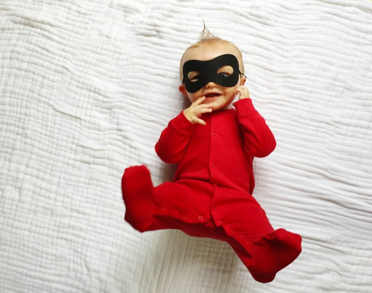 No-sew Halloween costumes: Jack Jack No-Sew Costume | The Chirping Moms