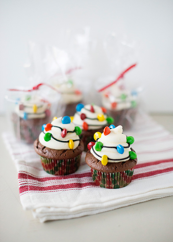 Stranger Things party ideas: Christmas Light Cupcakes | Baked Bree