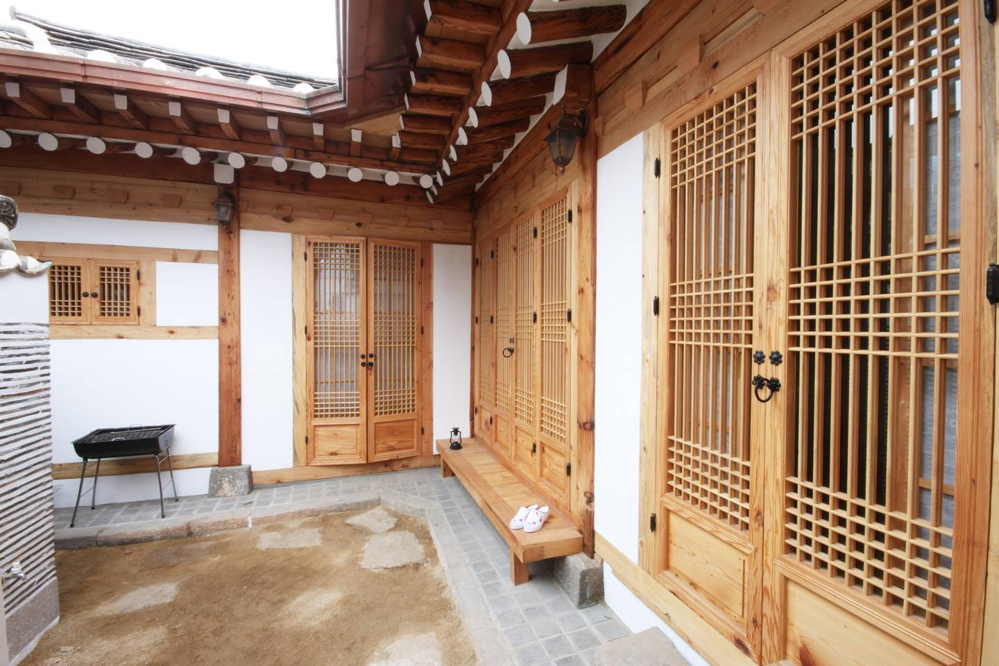Coolest vacations to take with the kids: A traditional Korean Hanok on AirBnB