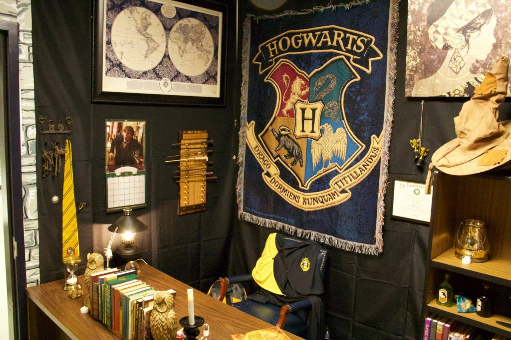A Harry Potter Hogwarts style classroom : Amazing photos by cool teacher Kyle Huber!