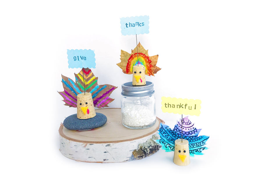 Cool Thanksgiving fall leaf craft idea from Ooly: Perfect for DIY Thanksgiving centerpieces the kids can help with!
