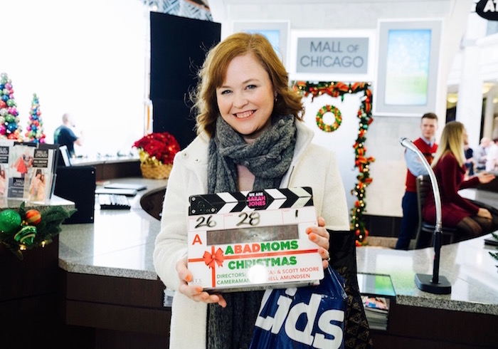 A Bad Moms Christmas: Onset as an extra
