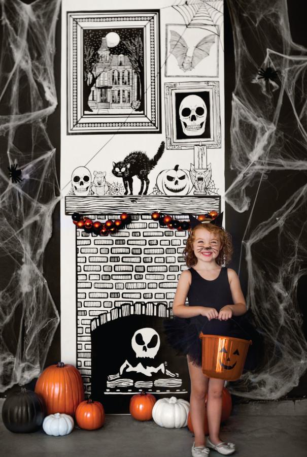 Non-candy Halloween treats: Draw together Halloween set | Caravan Shoppe