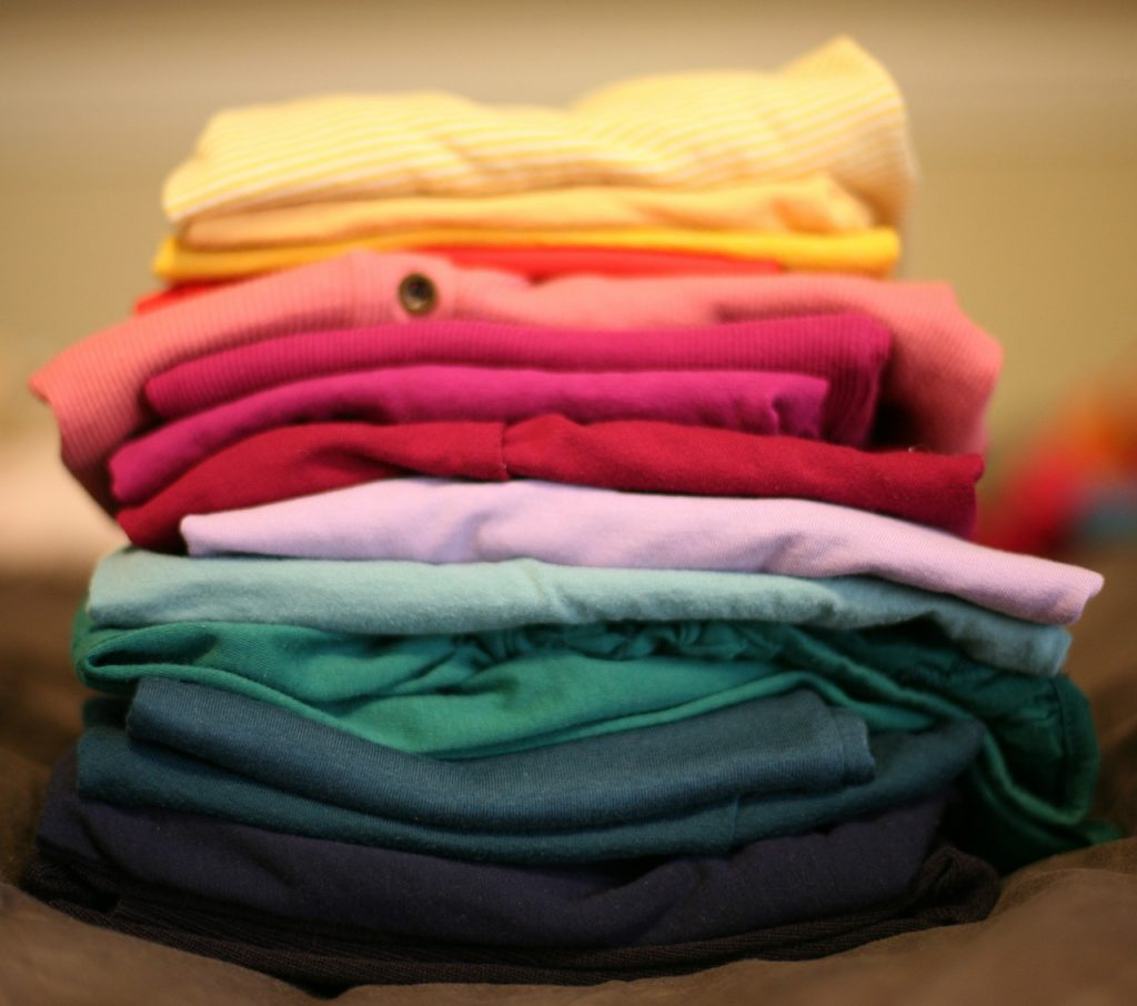 Great laundry tips for big families: Assign all folding to the kids. They can do it! | coolmompicks.com
