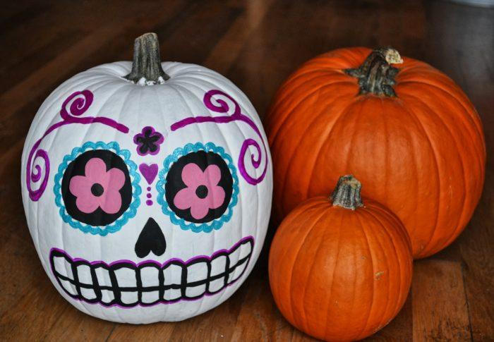 Sugar skull crafts | sugar skull pumpkin from Casa Artelexia