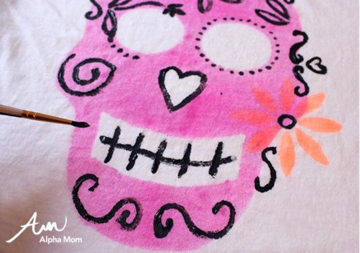 Sugar skull crafts | sugar skull T-shirt from Alpha Mom