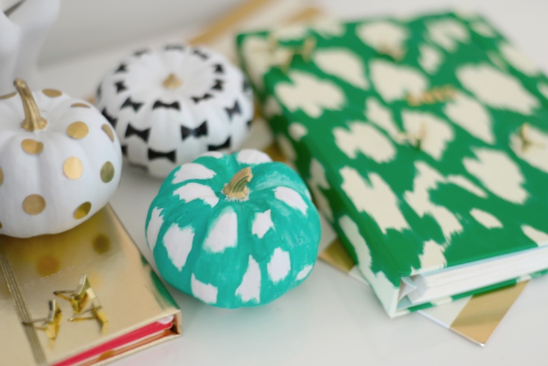 Teal pumpkin decorating ideas: Kate Spade inspired teal pumpkin by 204 Park