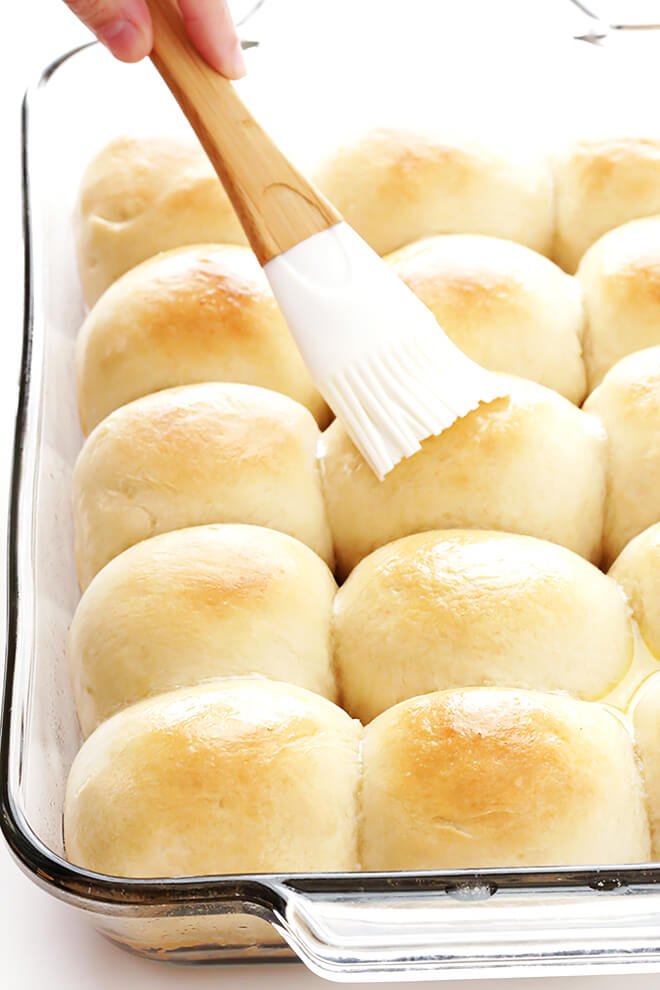 Last-minute Thanksgiving side dish recipes:  1-hour Soft and Buttery Rolls | Gimme Some Oven