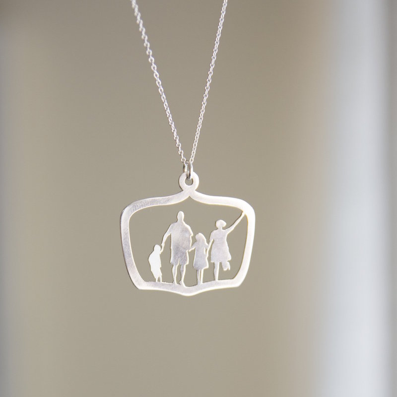 Personalized keepsake gift idea: Full body silhouette pendants and ornaments from Le Papier Studio