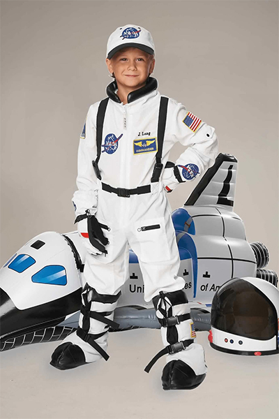 Coolest preschool gifts: Personalized astronaut costume