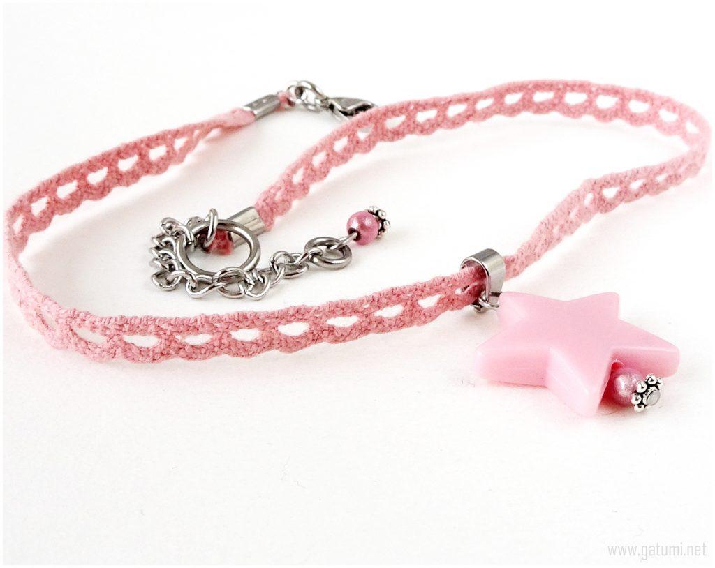 Kawaii pink lace star choker: Cool kids' Christmas stocking ideas