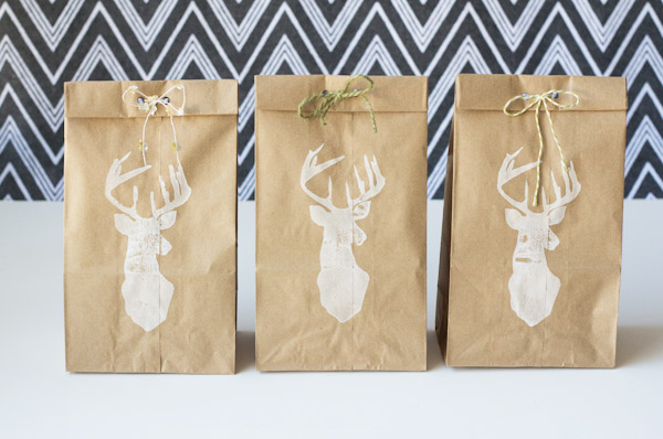 Creative holiday gift wrapping ideas: Paper Lunch Sack Gift Wrapping by Lovely Indeed
