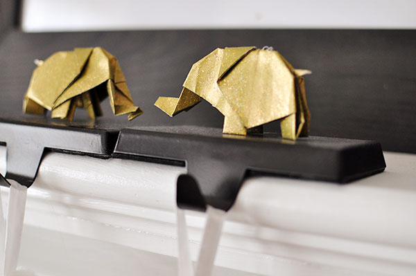 Origami ornaments: Glitter Origami Elephants | The Cheese Thief