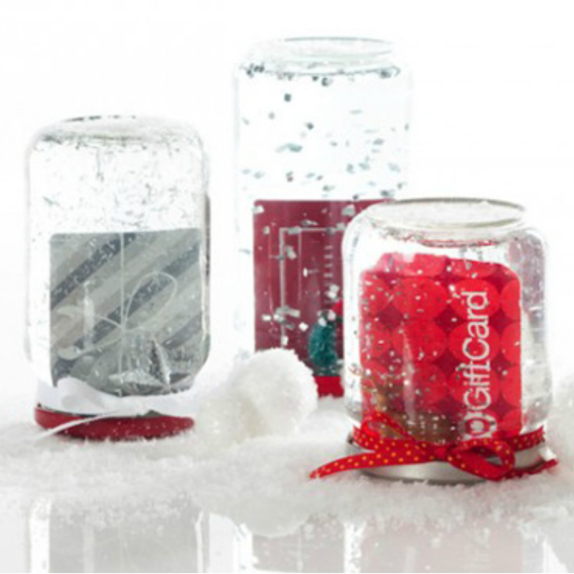 How to make gift cards more special: Create a DIY gift card snowglobe like this one from Smarty Had A Party!