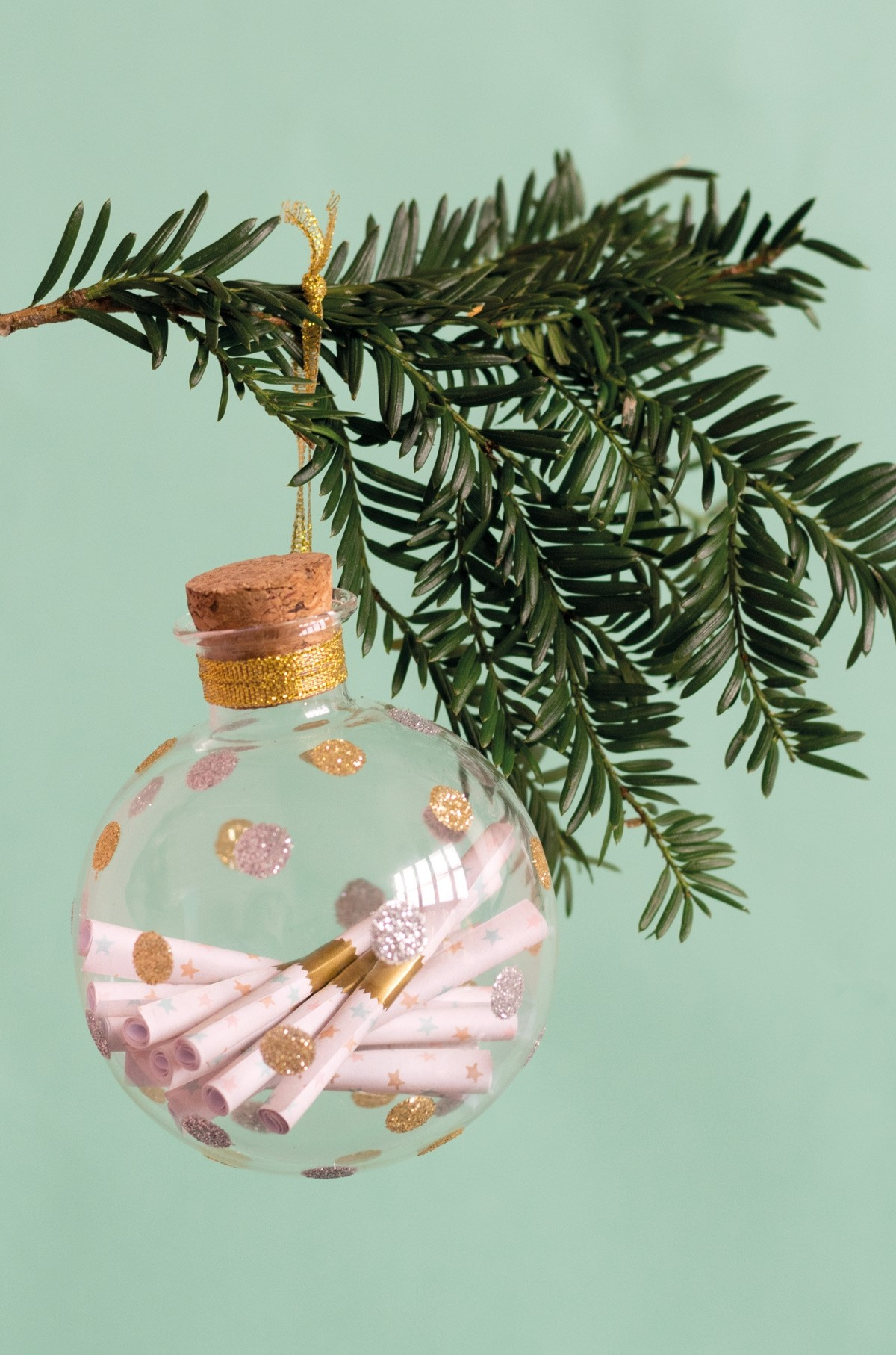 This Christmas ornament for new parents preserves memories so sweetly