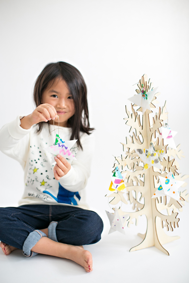 Origami ornaments: Painted origami paper star ornaments| Hello Wonderful