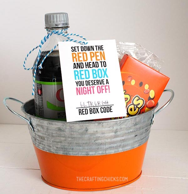 Practical holiday gifts for teachers: Movie night basket, with promo code for Redbox or iTunes | The Crafting Chicks