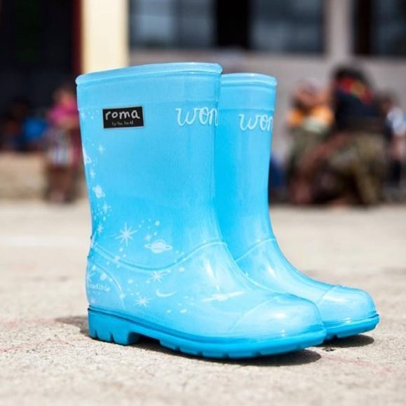 Gifts for Wonder fans: The Roma Wonder Rainboots support kids in need by donating a pair + a portion of profits for every pair sold