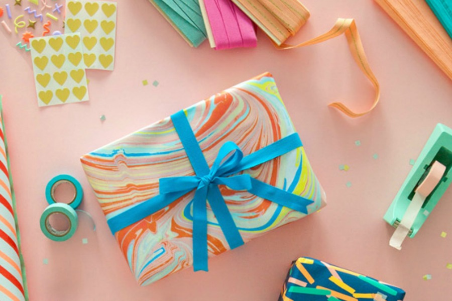 Move over, Oprah: How to make a YOUR favorite things gift box for your BFF.