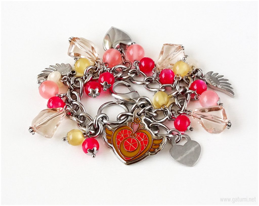 Creative Valentine's gift ideas supporting indie shops: Sailor Moon kawaii heart bracelet