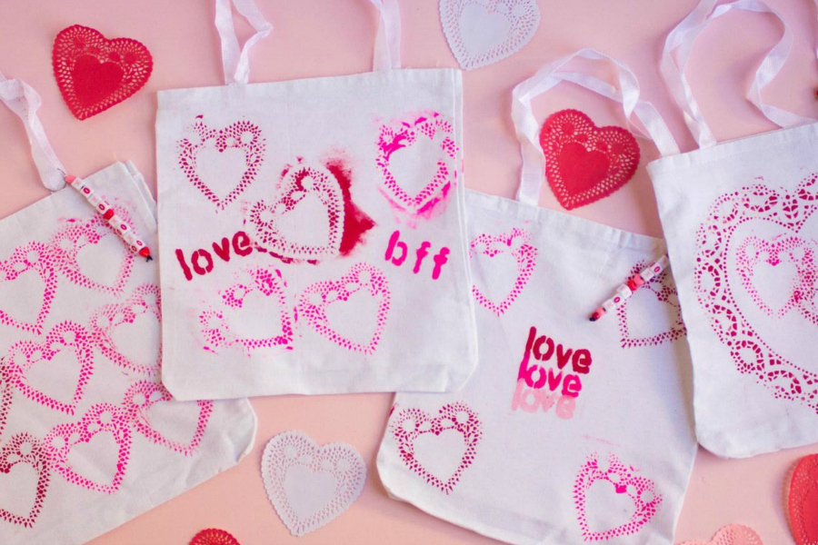 8 sweet Valentine's Day crafts your kids can make their BFFs.