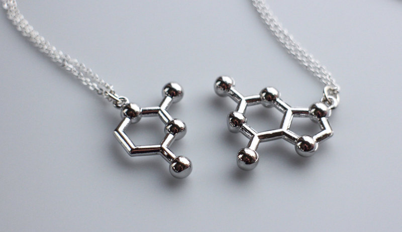 Cool best friend necklaces: DNA Molecule Friendship Necklace by Nikola Jewelry